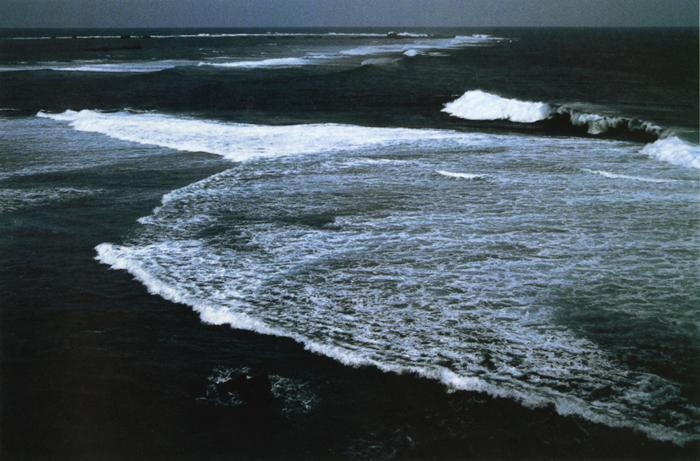 珊瑚礁の海<br>西平安岬(沖縄宮古島)・7月中旬曇