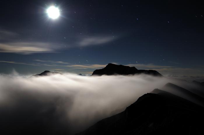月光浴の白馬岳
