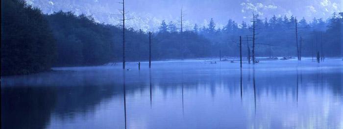静寂の大正池(上高地)