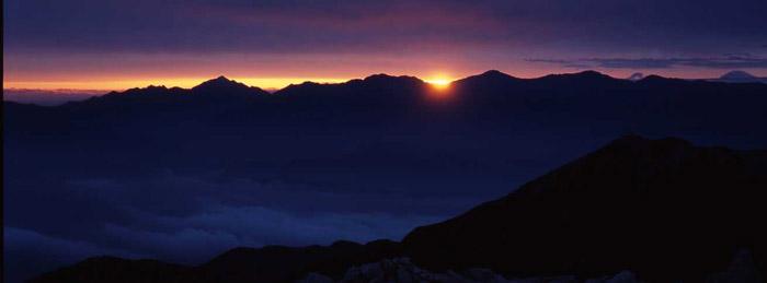 南アルプスの夜明け<br>(木曽駒ヶ岳)