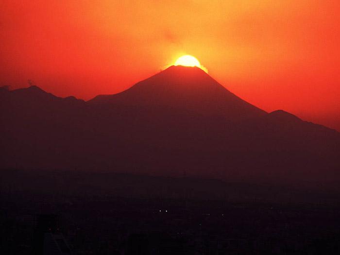 `07.1/27.  富士山頂の夕日