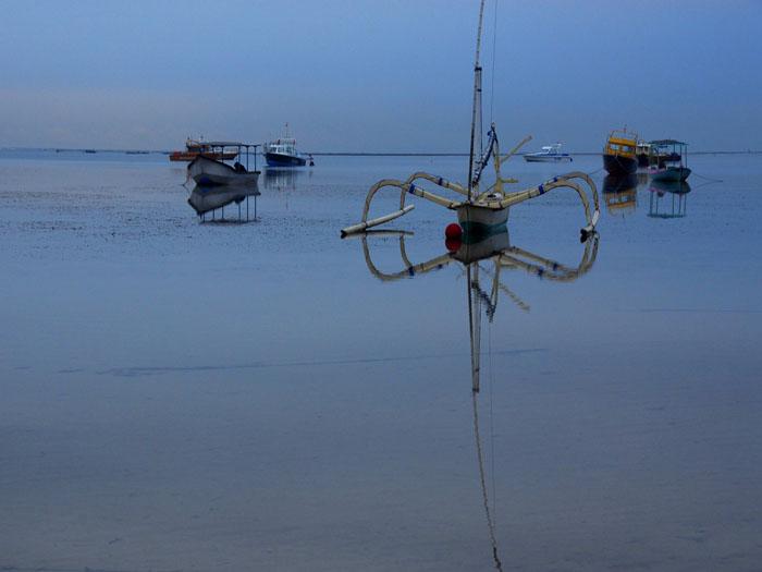静かな海 (バリ島)