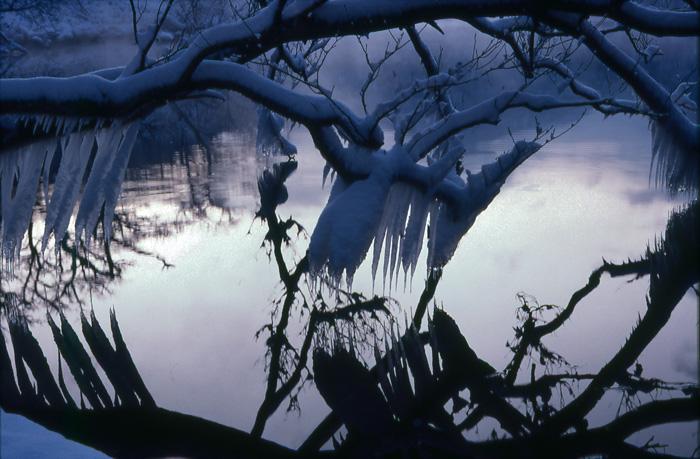 屈斜路湖 凍結した飛沫