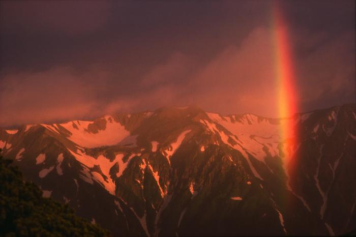 黒部川 虹のかかる薬師岳のカール