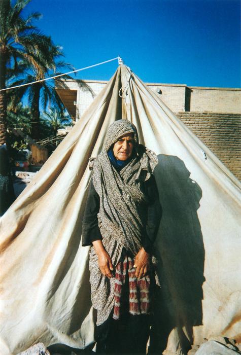 撮影者 ザラ・マディプールさん(17歳)私たち家族はもとの家の近くにテントを張って暮らしています。地震があったのは12月、夜は気温が氷点下にもなり、毛布にくるまっても眠れない日が続きました。