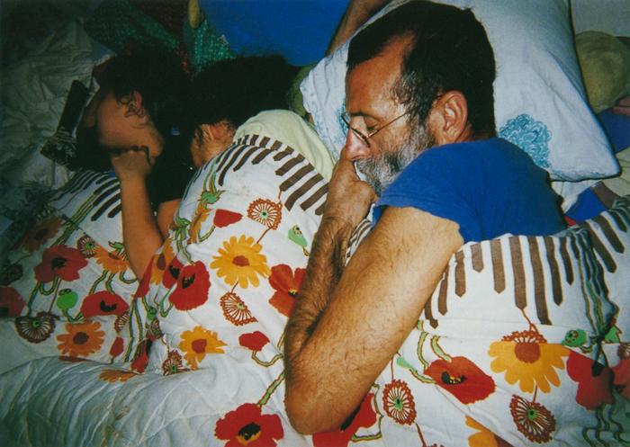 撮影者 ミッキー・シャピロくん(11歳)家族が眠っているところを撮った。お父さんが「普段どおりの生活ができることが平和だよ」って教えてくれたから。